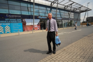 Derek Williams as Sven-Göran Eriksson outside City of Manchester Stadium in Eastlands, home to Manchester City FC (picture taken by Dave Evans)